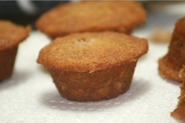 easy pumpkin muffin recipe momspark.net