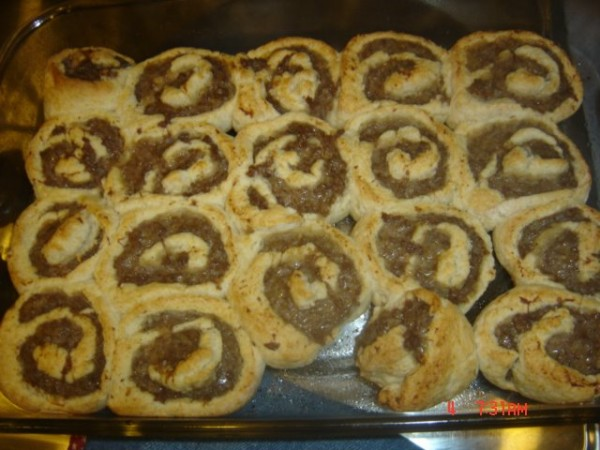 Quick and Easy Sausage Rolls Bisquick Recipe momspark.net