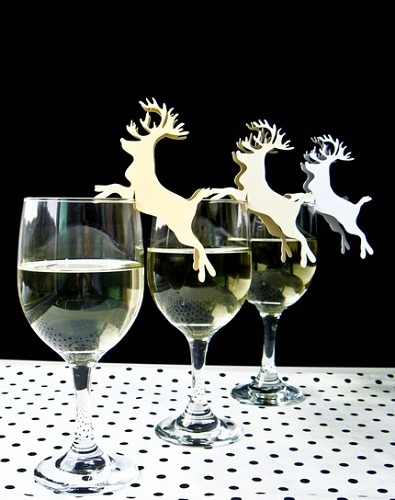 reindeer wine glass placeholder momspark.net