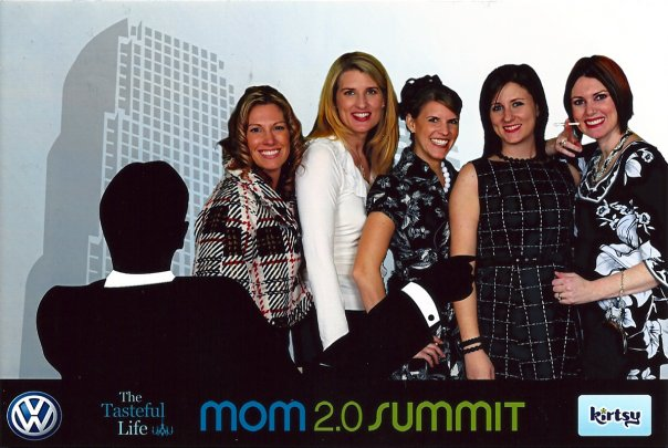 mom 2.0 summit bloggers momspark.net mad men