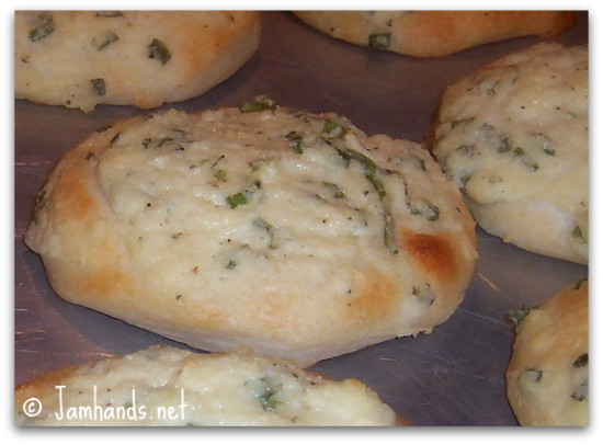 Cheesy Parmesan Italian Biscuits Recipe momspark.net
