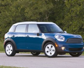 2011-MINI-Cooper-Countryman-006