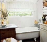 tiny bathroom (1)