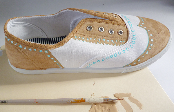 Shoe Makeover: Faux Painted Oxfords momspark.net