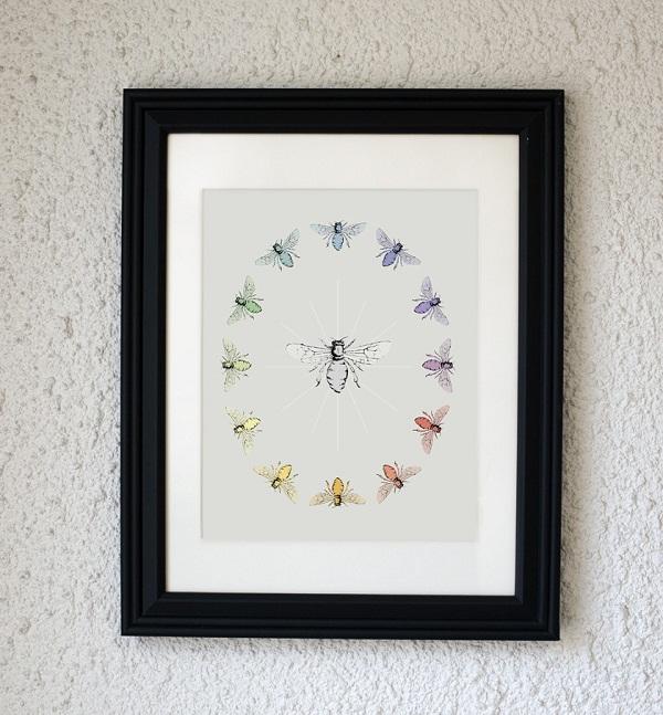 Bee print art frame