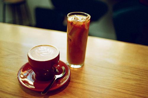 iced coffee and hot coffee