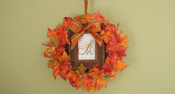 """It's Still Autumn"" Monogram Wreath Craft momspark.net"