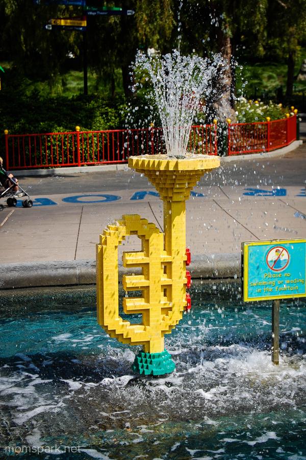 Legoland trumpet fountain momspark.net