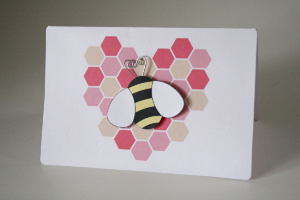 DIY Handmade Homemade Bee Valentine Greeting Cards momspark.net