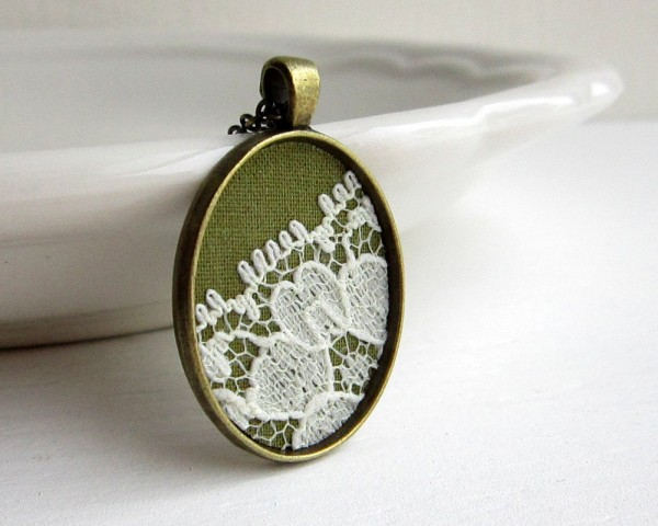 Green & Ivory Lace Necklace