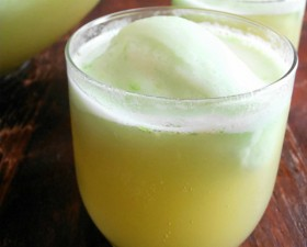 St. Patrick&#039;s Day Recipe: Lime Leprechaun Punch momspark.net