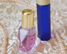 http://momspark.net/wp-content/uploads/2013/04/002-make-perfume-mom-spark.jpg