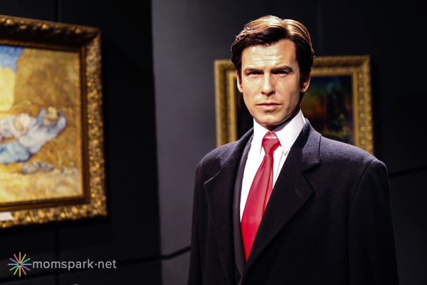 Pierce Brosnan Wax Figure Madame Tussauds Hollywood