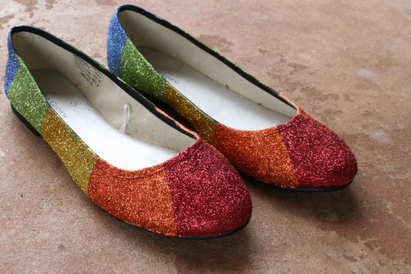 Mod Podge glitter-rainbow-flats craft