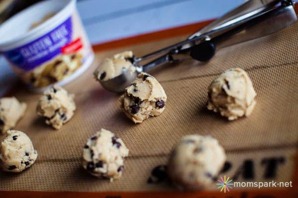 Pillsbury Gluten Free Chocolate Chip Cookie Dough 4 copy