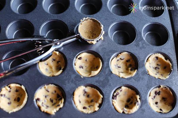 Pillsbury Gluten Free Chocolate Chip Cookie Dough 5 copy