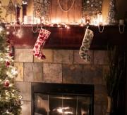 red-envelope-christmas-mantel-6