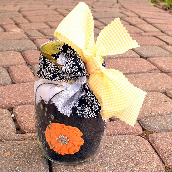 Apron & Chef Hat in a Mason Jar DIY Gift