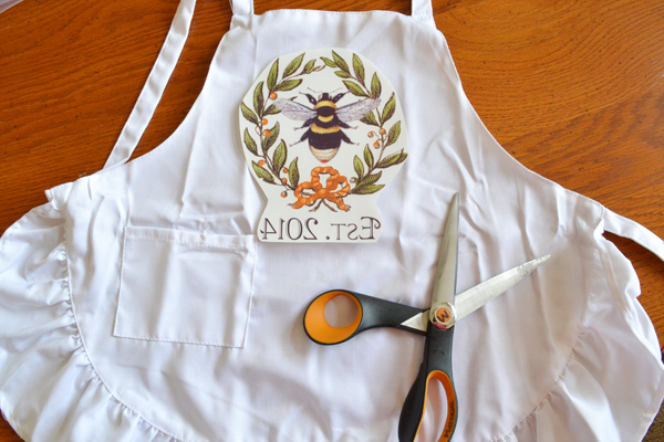 Apron & Chef Hat in a Mason Jar DIY Gift