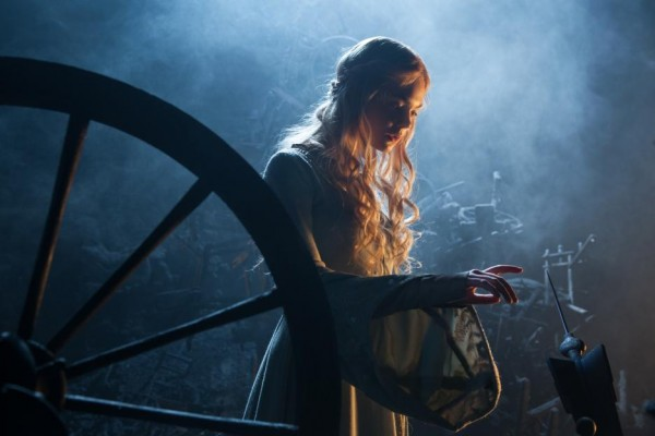 An Interview with Elle Fanning, MALEFICENT'S Princess Aurora.