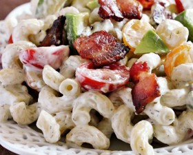 Creamy Bacon, Tomato, and Avocado Pasta Salad Recipe