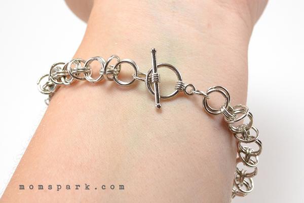 Anthropologie-Inspired Friendship Bracelet