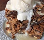 Copycat Applebee's Maple Walnut Blondie Recipe