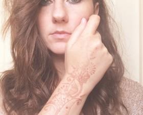 henna-fading