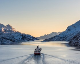 Hurtigruten-Cruises