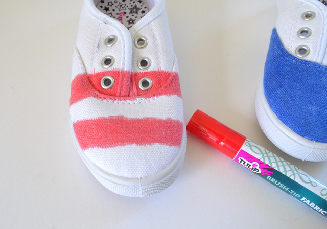 Whip up some super cute Patriotic kicks great for the 4th of July and perfect for all summer long!