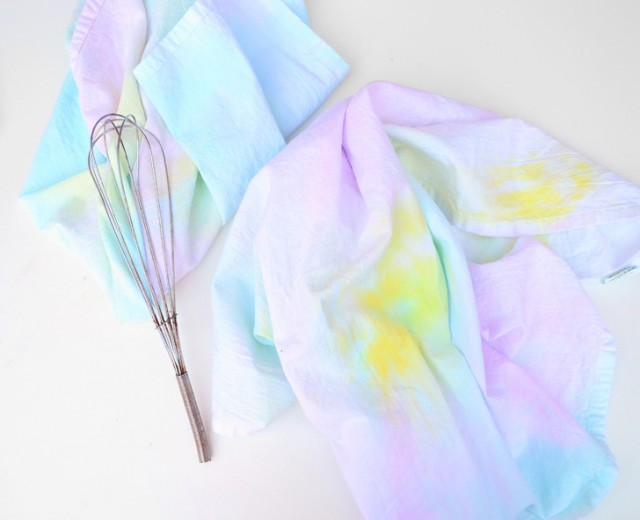Add some pretty pastel colors to the kitchen with these DIY watercolor kitchen towels.