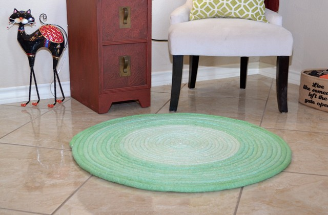 This dyed cotton piping rug is a gorgeous ombre!