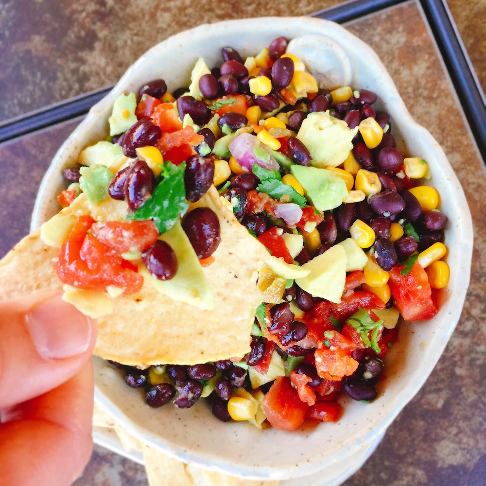 Cinco De Mayo Salsa Dip - Cinco de Mayo is almost here, so let's celebrate with a delicious salsa dip!