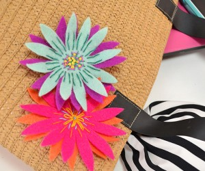 These DIY felt brooches are super easy to make and look fabulous on totes, shirts and more!