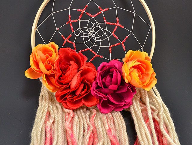diy-dreamcatcher-with-flowers-002