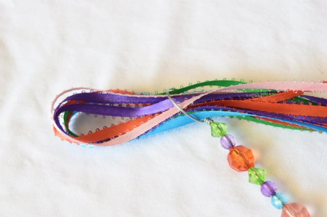 With a quick trip to a super store you can make these gorgeous and fun beaded bubble wands both boys and girls love!
