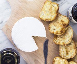 Easy Brie and Fruit Spread Jelly Bruschetta Appetizer Recipe