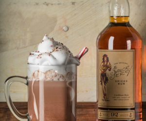 Is there anything better than a boozy hot cocoa cocktail? Nope.