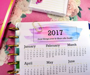 What's your motto or word for 2017? With this calendar you can keep your goals for the new year visible all year! Free printable full page calendar.