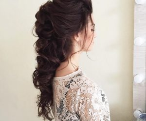 You've already found the perfect dress. Your feet will be super happy with the stellar shoes you bought. Your accessories are on point. The only thing left to finish your 2017 prom look are your hair and makeup. Whether you're scheduling an appointment with a stylist or taking a stab at completing your look on the big day, there is plenty of prom hair and makeup inspiration to go around. Here are 20 inspired prom hair and makeup looks to keep you looking amazing!