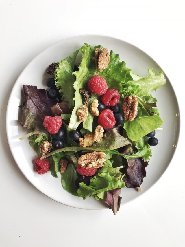 How to Keep Fruit and Salad the Freshest