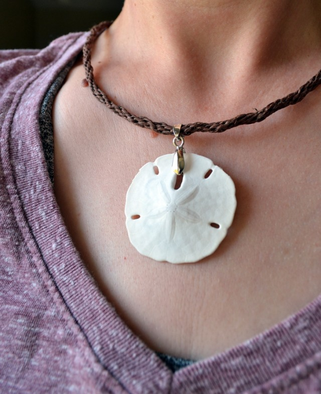 sand dollar beach keepsake necklace mom spark mom blogger