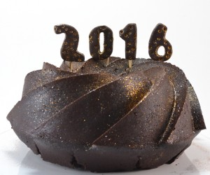 Ring in the new year with an edible and glittery 2016!