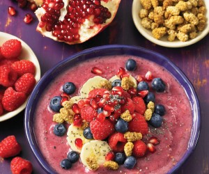 Pomegrante Berry Smoothie Bowl