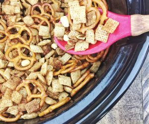 Crock-Pot Party Snack Mix Recipe