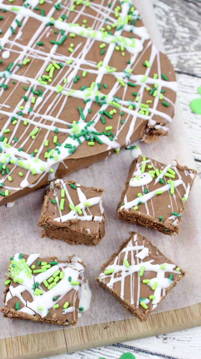 Green Baileys Irish Cream Chocolate Fudge Recipe. Chocolate seems appropriate for any St. Patty's Day event or party, but fudge, in my opinion, sounds even better. How about a rich, decadent fudge with a hint of Baileys Irish Cream