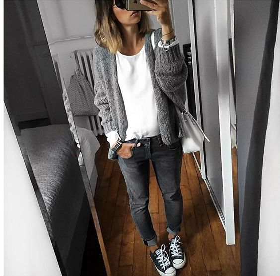 10 fresh ways to wear grey outfits this spring mom spark mom blogger. Black Bedroom Furniture Sets. Home Design Ideas