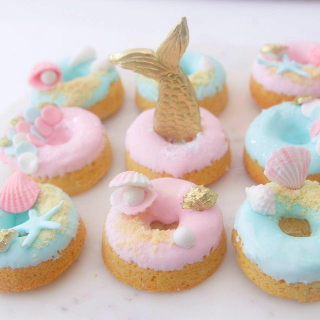 Mermaid Donut Recipe - Mermaid parties are all the rage right now. I love putting together a fun, undersea party for the mermaid lovers in my life. Here are 10 mermaid recipes you have to make for your next mermaid party.