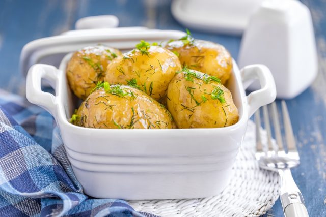 Instant Pot Garlic Butter New Potatoes Fall is the best time to bust out your instant pot. There are so many fall-inspired instant pot recipes for cozy, crisp autumn days.